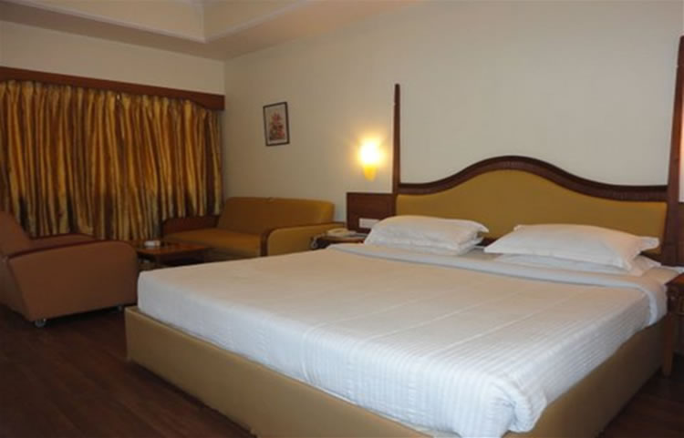 Nahar Nilgiris club class double room